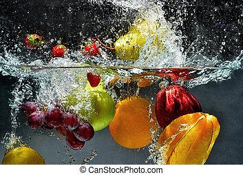gespetter, vers fruit, water