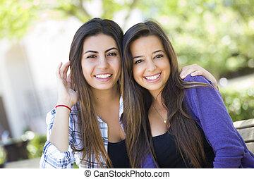 jonge, hardloop, volwassene, vrouwlijk, gemengd, verticaal, vrienden